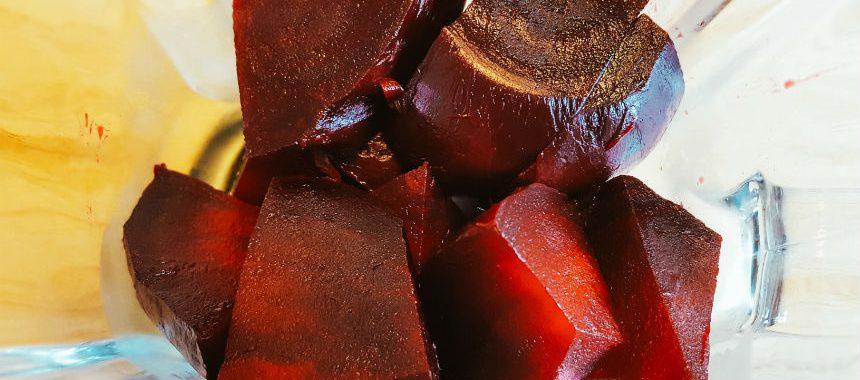 Blumenkohl-Rote-Beete-Kartoffel-Brei mit Hackfleisch