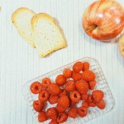 Apfel-Himbeer-Zwieback-Brei