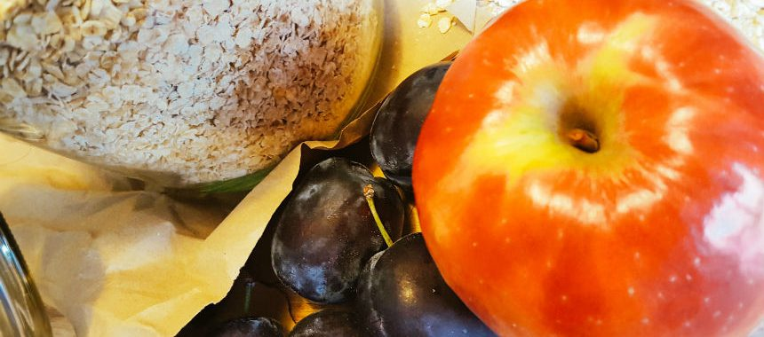 Apfel-Pflaumen-Porridge
