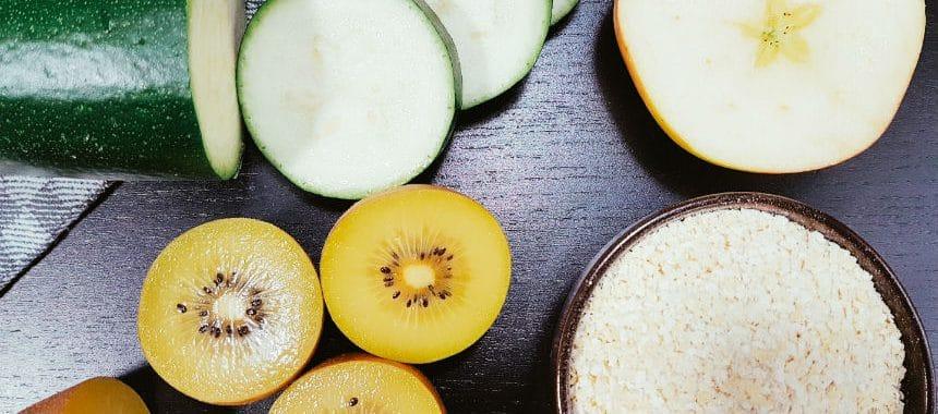 Kiwi-Zucchini-Apfel-Brei mit Hirseflocken